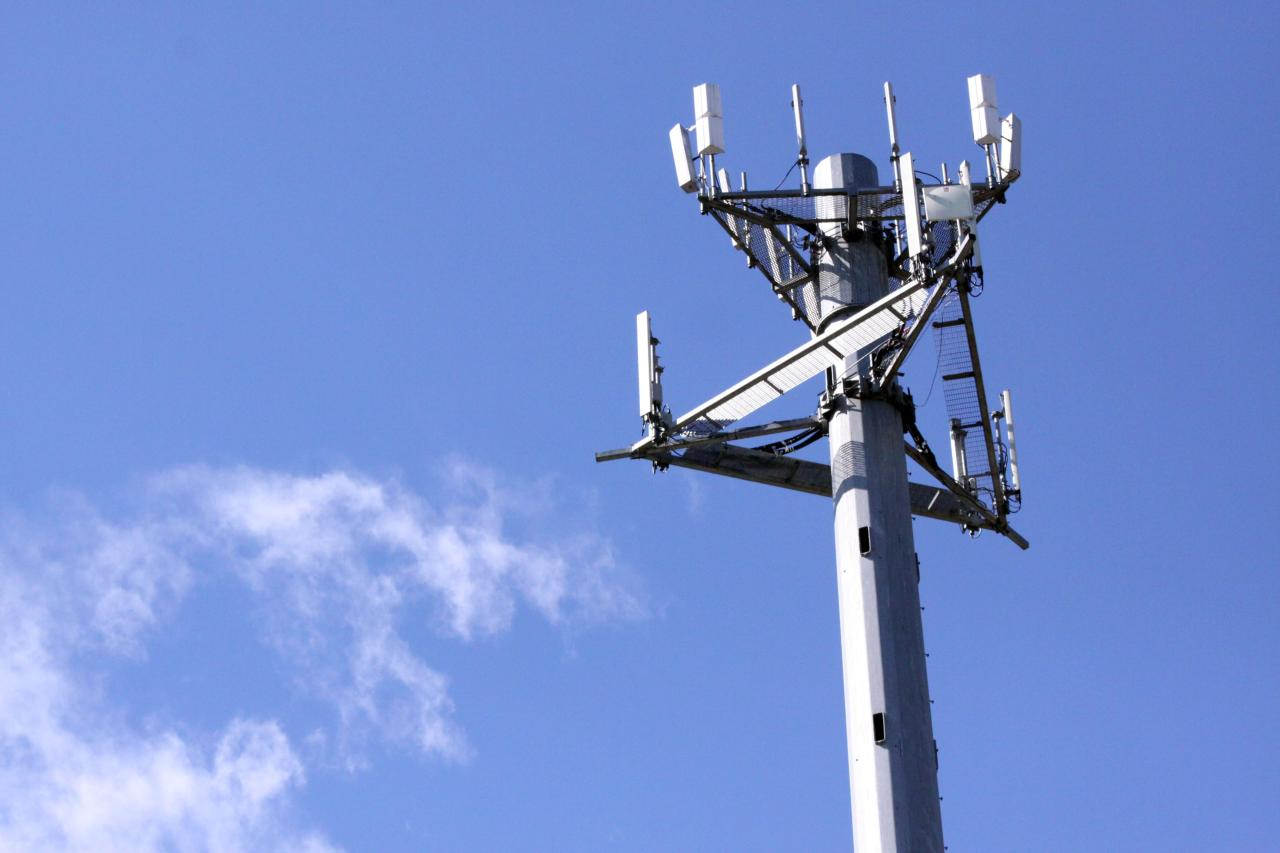Updating cell towers at&t