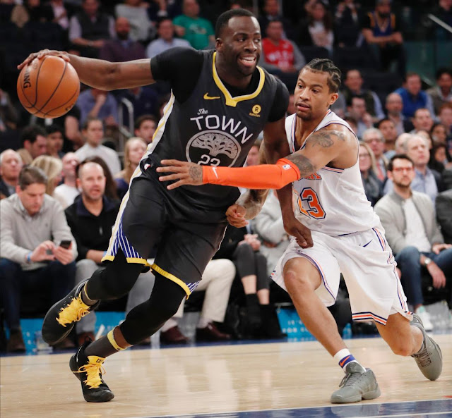 Third quarter collapse dooms Knicks in blowout loss to Warriors as Hornacek continues to give more minutes to younger players