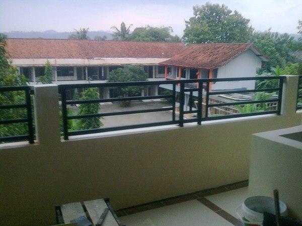 Balkon Pagar Besi