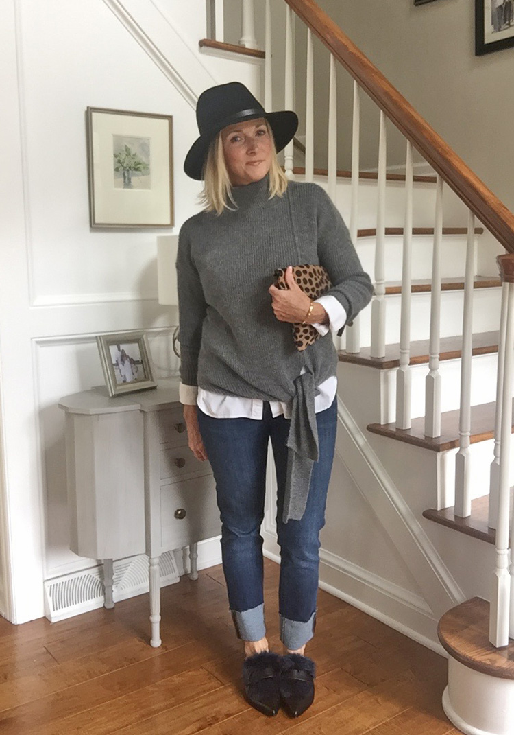 gray sweater with skinny jeans and fur mules