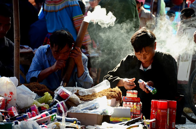 What special things happen at the Bac Ha highland market, Sapa? 3
