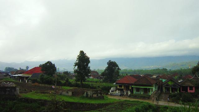 pemandangan sekitar coban rondo