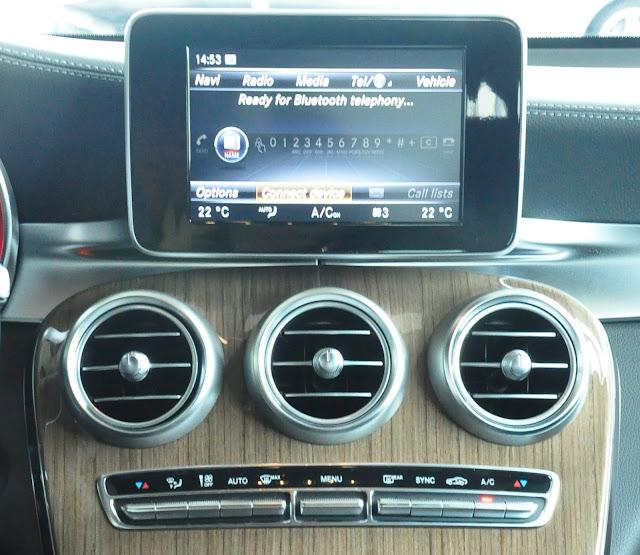 Mercedes GLC 250 4MATIC được trang bị hệ thống giải trí vô cùng hiện đại