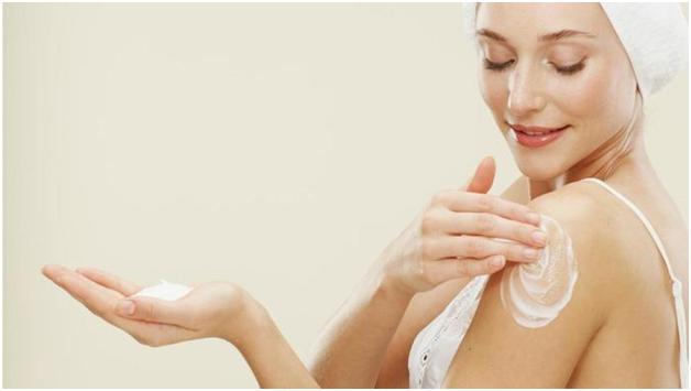 Mách bạn cách dùng lotion dưỡng trắng da body hiệu quả.