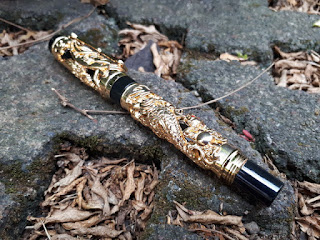 Pulpen Mewah Jinhao JH001 Dragon And Phoenix Golden Roller Ball Luxury Pen