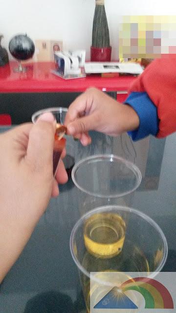 Preparación de vinagre coloreado