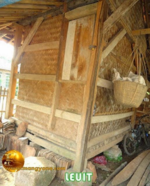 Leuit / Lumbung padi Mang Yono