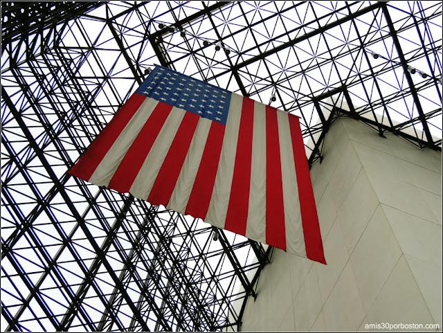 Bandera Americana Gigante de la Biblioteca y Museo Presidencial de John F. Kennedy