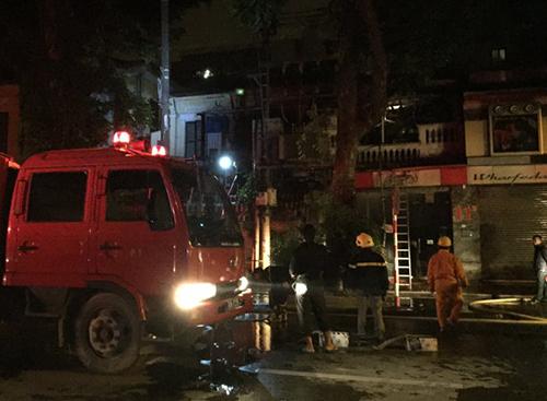 Cháy lớn ở phố Nguyễn Khắc Cần, Hà Nội