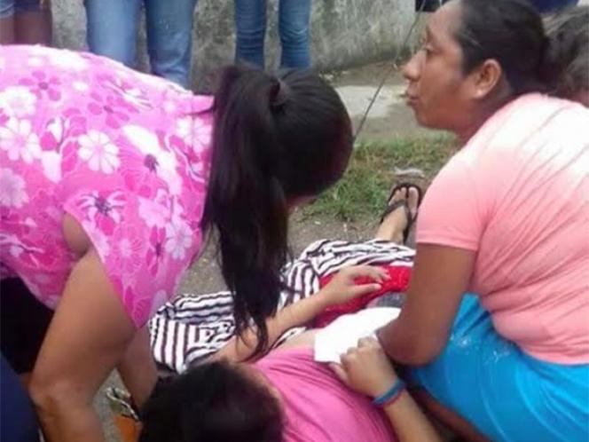 Mujer da a luz en la calle mientras médicos disfrutan 'hora de café'