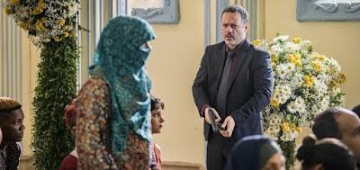 """Almeidinha (Danton Mello) prenderá Dalila (Alice Wegmann), que irá disfarçada a """"casamento"""""""
