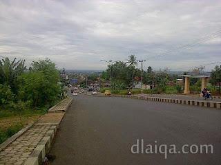 pemandangan di Jalan Pramuka