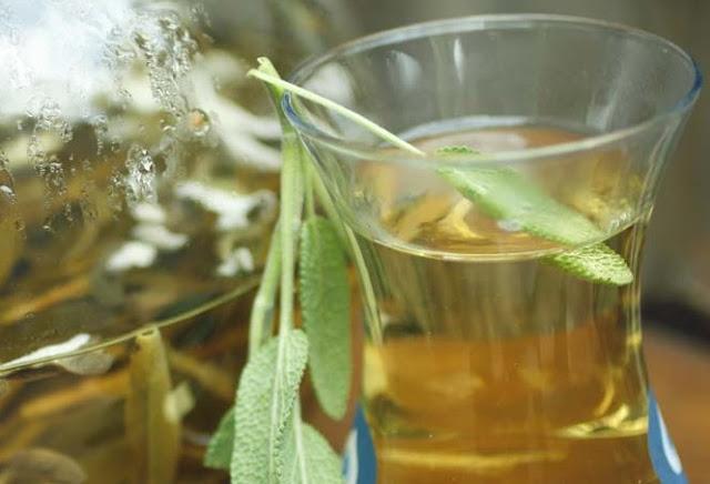 طريقة علاج رائحة العرق بالأعشاب