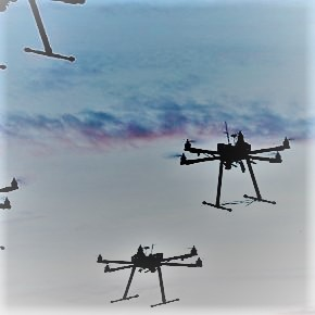 Prima flotta droni in formazione vola senza scontri