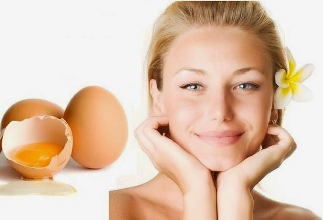 kuning telur juga bisa dijadikan sebagai materi untuk menciptakan masker alami Cara Membuat Masker Kuning Telur untuk Wajah dan Rambut