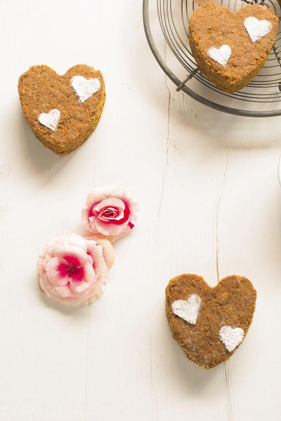 Bizcochitos corazón de zanahoria y almendra sin gluten y sin lacteos - La Rosa Dulce