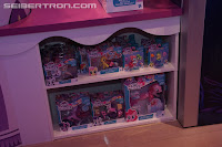 My Little Pony Seaquestria Brushables Display