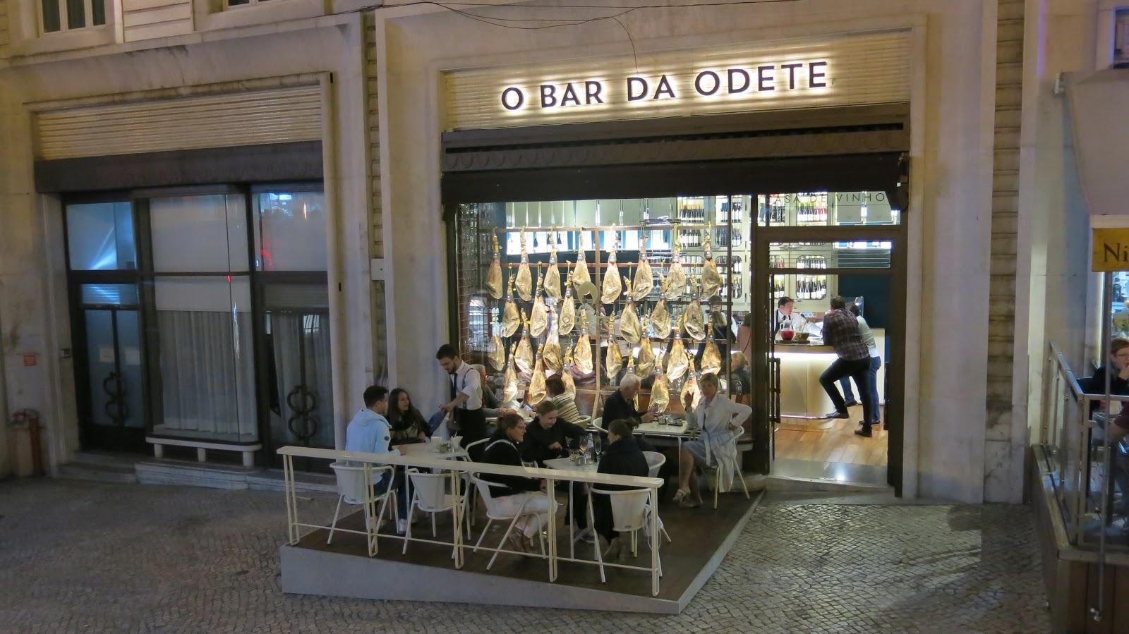2f5b7ff262 A Série Lugares Secretos que Indico apresenta O Bar da Odete