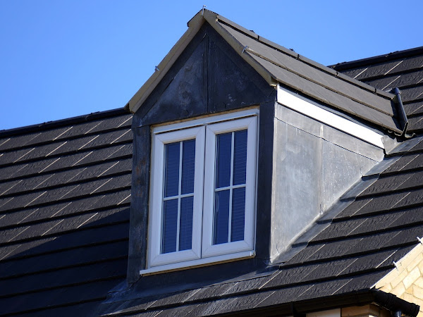 When You Should Call A Roofing Contractor