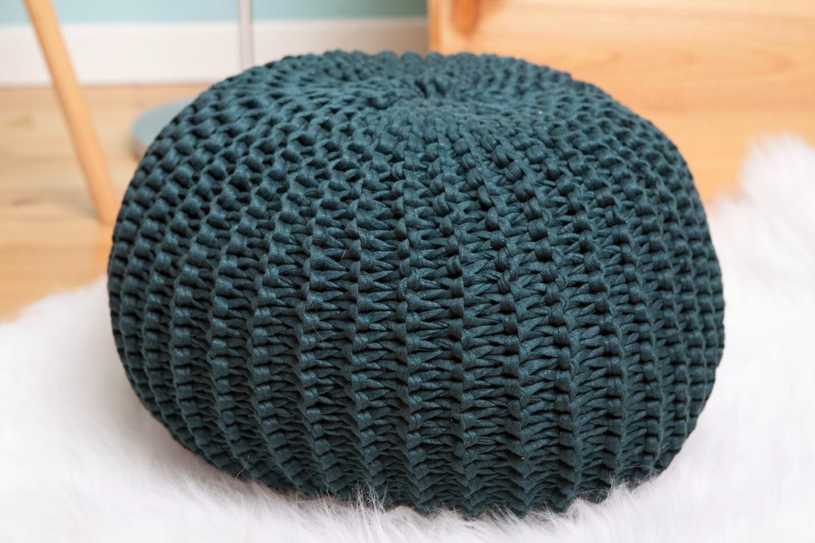 inspi diy du dimanche tricoter un pouf chic and sheep. Black Bedroom Furniture Sets. Home Design Ideas