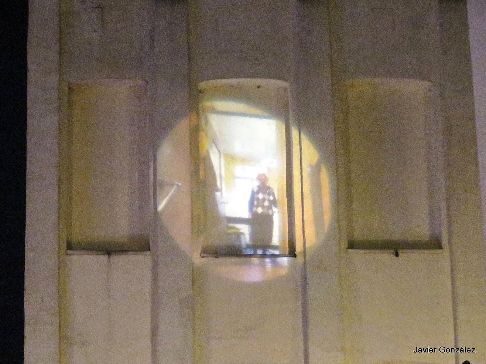 Trampantojo proyectado en la pared. Bruselas. Mural