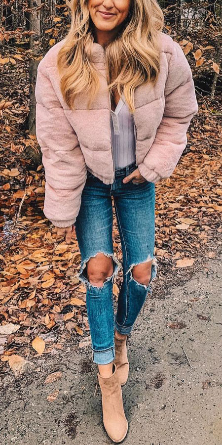 30+ Pretty Winter Outfits To Copy Now!. winter fashion style | winter fashion inspiration | holiday fashion winter | style fashion winter. #winterstyle #outfits #fashion #style