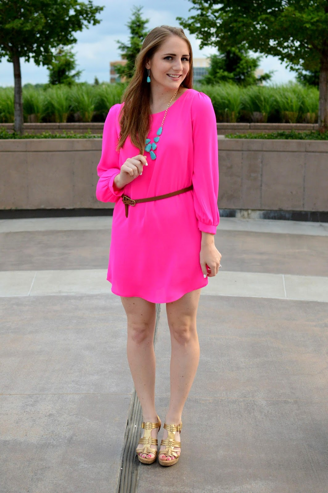 pink and turquoise | pink dress with a turquoise necklace | date night outfits for spring | spring date night looks | how to style your pink dress | what to wear with a turquoise necklace | spring outfit ideas | a memory of us