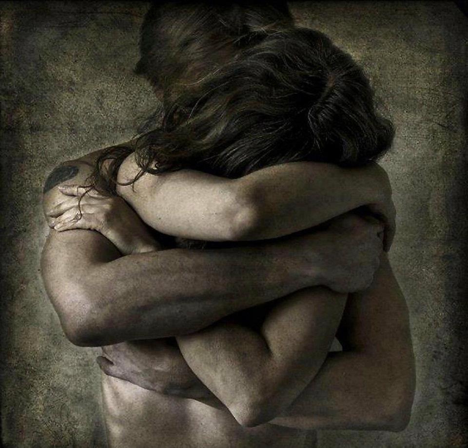 Αποτέλεσμα εικόνας για σφιχτη αγκαλια