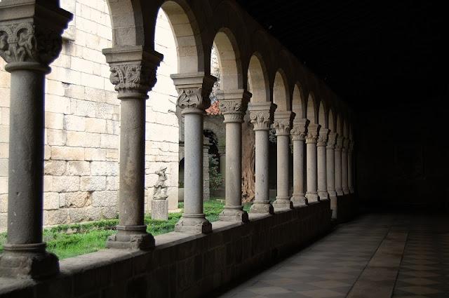 Colunas do Museu de Alberto Sampaio em Guimarães