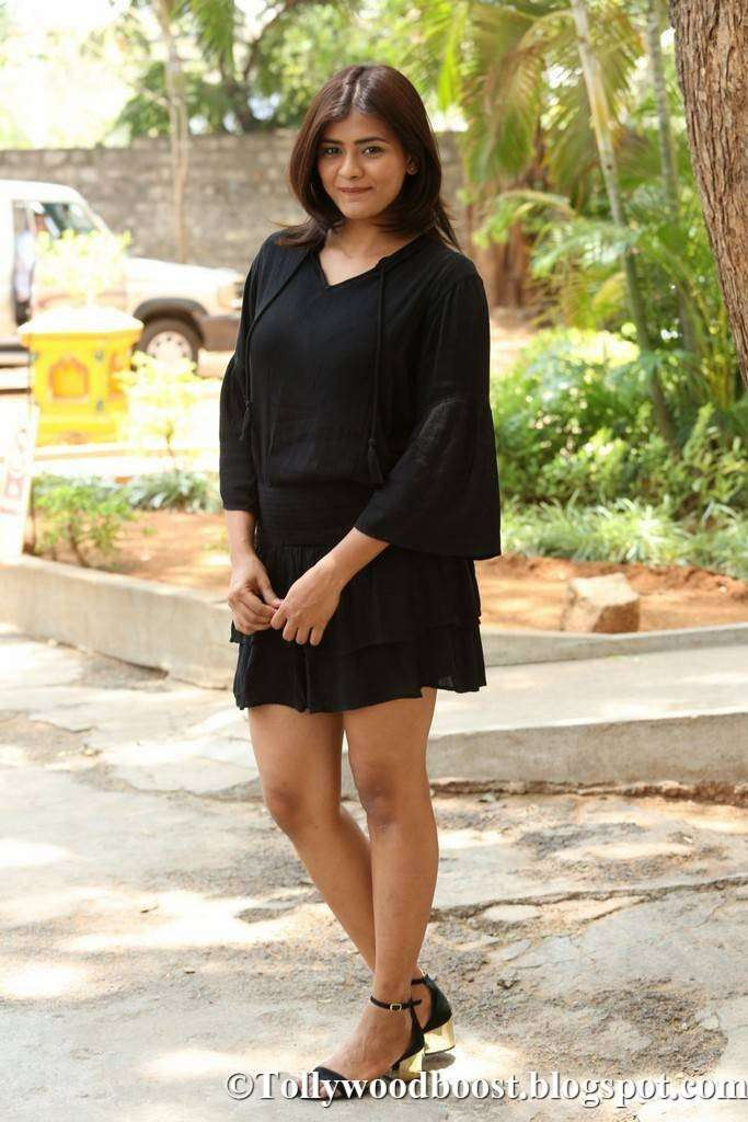 Hebah Patel Long Legs Thigh Show In Mini Black Short At Movie Trailer Launch