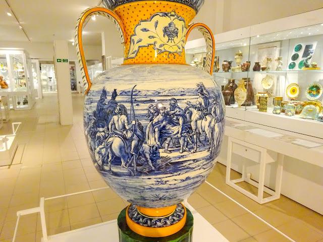 Wedgwood Huge Urn