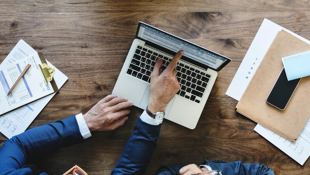 Bagaimana Memilih Web Hosting Terbaik Untuk Situs Bisnis Anda?