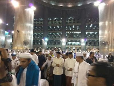 Calon Gubernur Muslim Jakarta Hadiri Subuh Aksi 112 Di Istiqlal