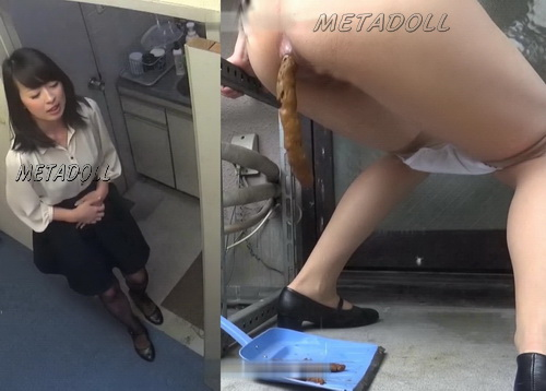 [SL-100] Blocked toilet - Office lady pooping on companies veranda