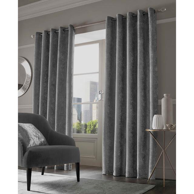 Hаrmоnіzе Your Tоіlе Curtains With Yоur Lіvіng Room Furnіturе