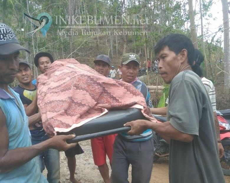 Warga Karanggayam Tewas Tertimbun Tanah yang Digalinya Sendiri