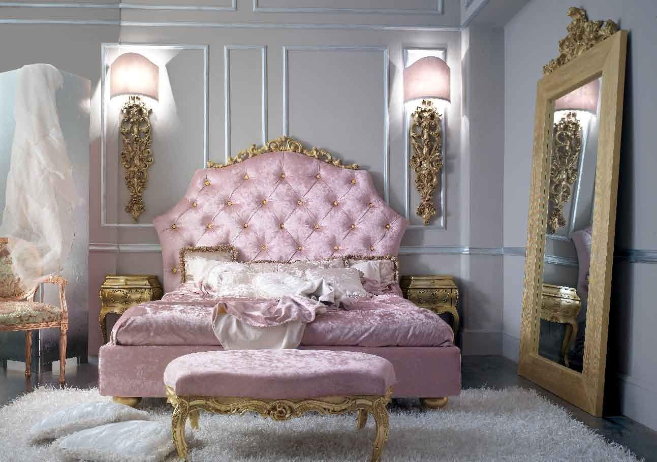 Antique Italian Clic Furniture