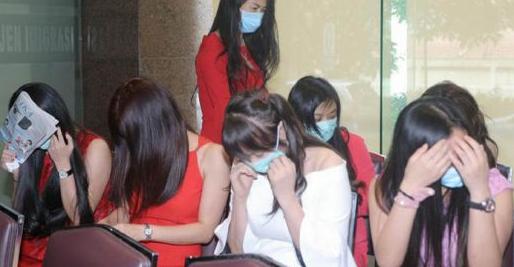 76 WN China yang Jadi PSK dan Terapis di Klub Malam Sun City
