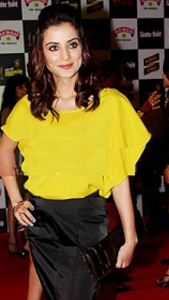 Kulraj Randhawa death news, movies, hot, husband, upcoming movies, yamla pagla deewana, photos, family background, husband name