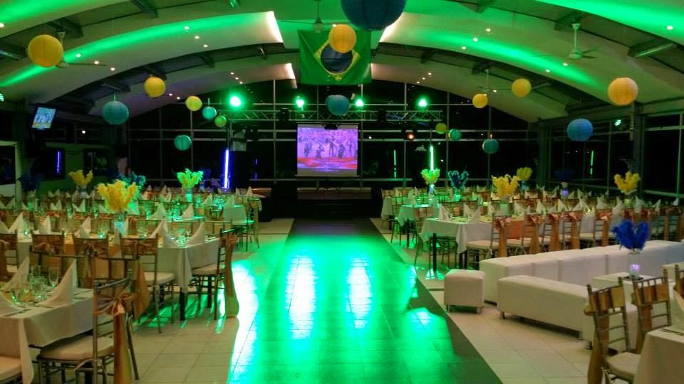 Centro de eventos parque restaurante el sauce matrimonios - Ideas iluminacion salon ...