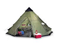 Yeşil renkli üçgen (konik) kamp çadırı