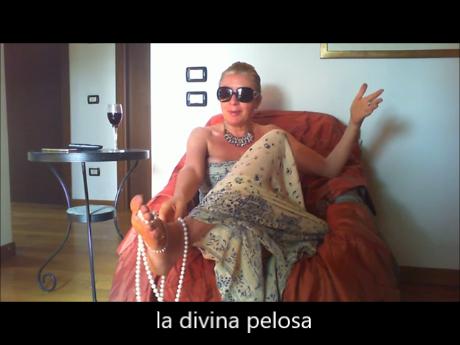video youtube della divina pelosa sulle finte mistress