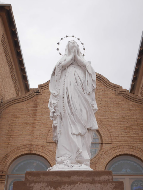 statue of Mary in Las Cruces, New Mexico