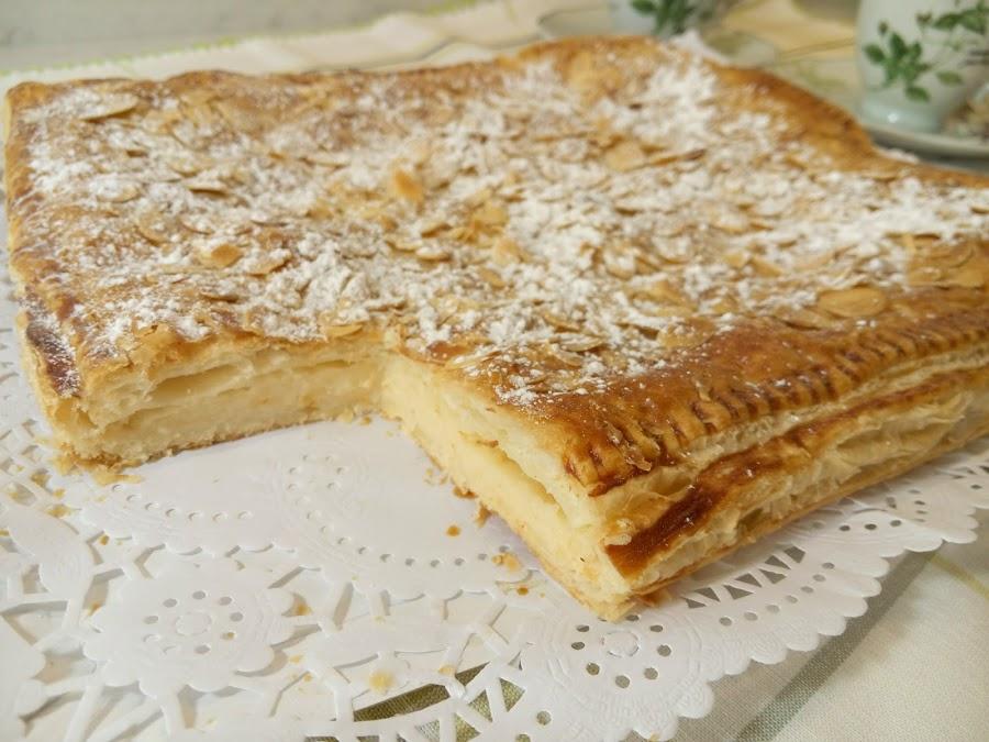 Corte de hojaldre con crema pastelera