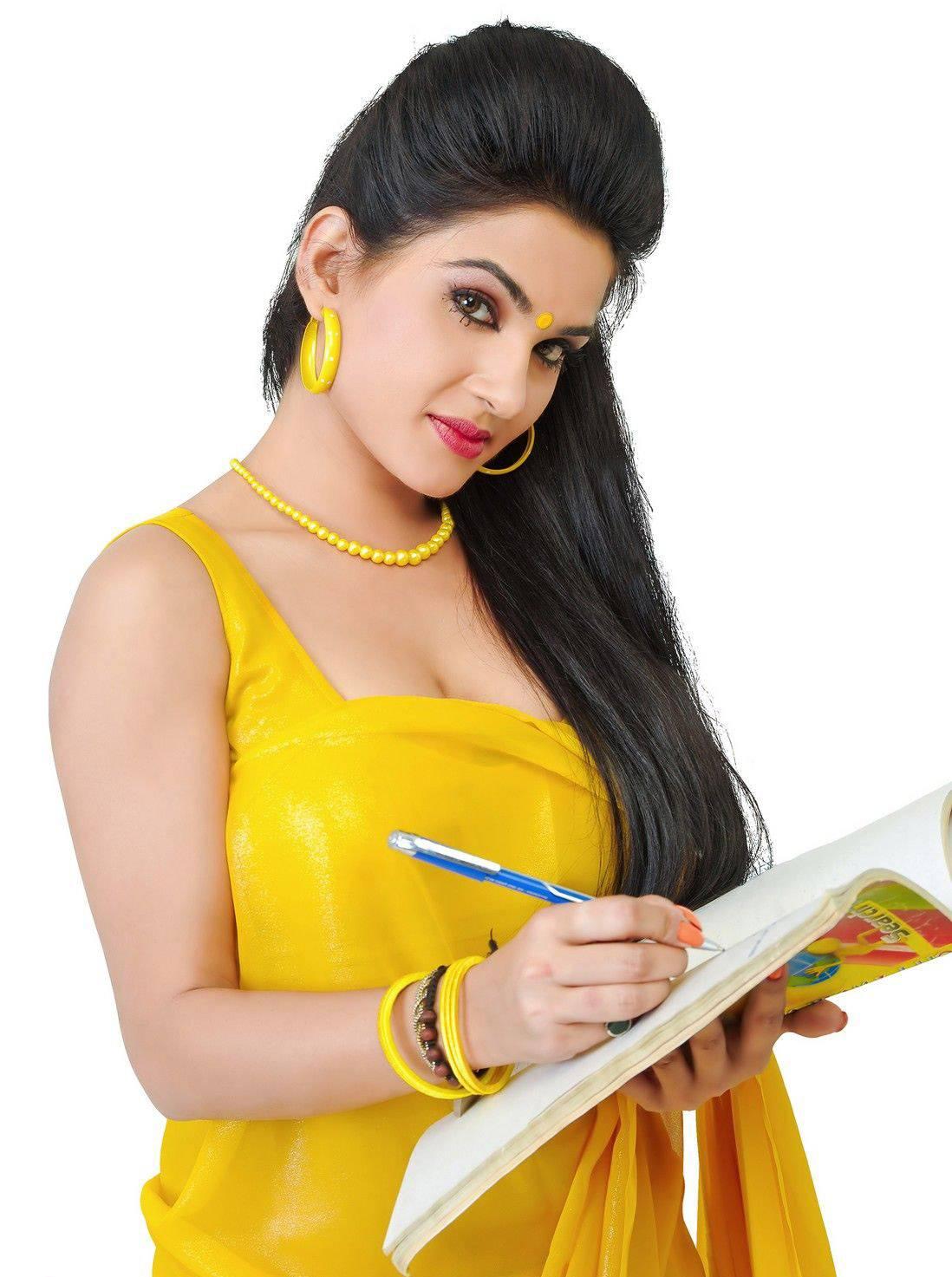 Actress Kavya Singh Hot Saree Photos From Movie Sorry -8127