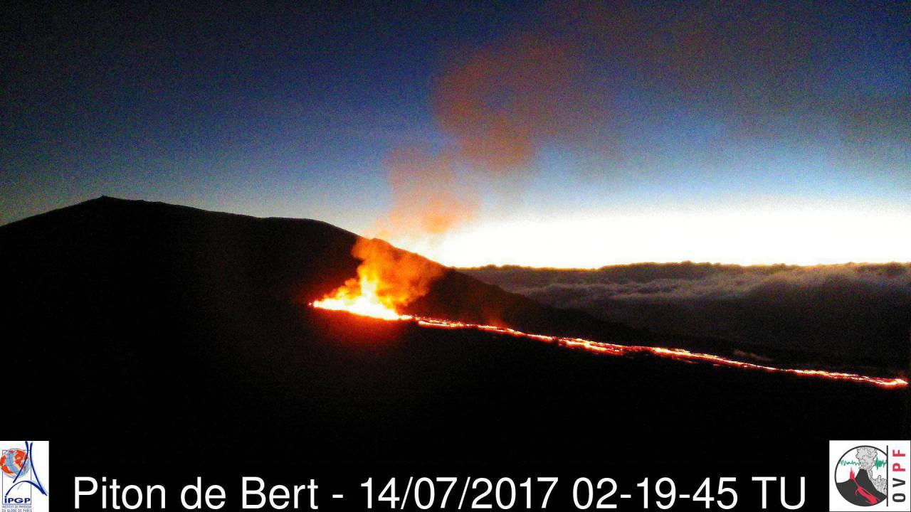 culture volcan  feu d u0026 39 artifice au piton de la fournaise