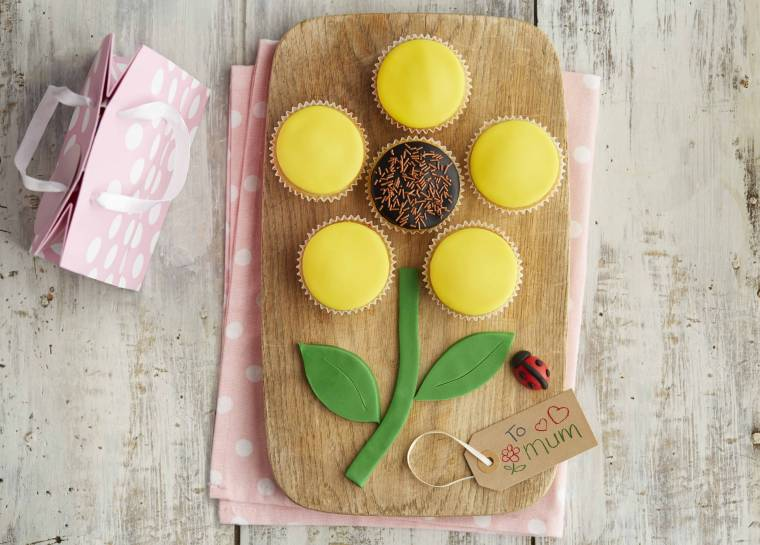 Blossoming Cupcakes For Mothers Day