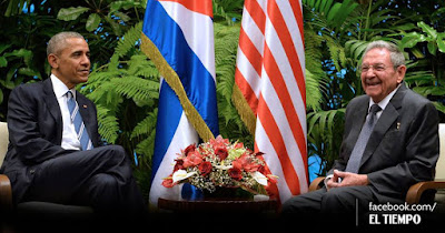 US President Barack Obama meets his Cuban counterpart Raúl Castro ...