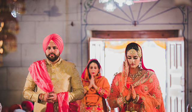 How is a Sikh wedding done? What are the different types of rituals that are done in a Sikh wedding? 3