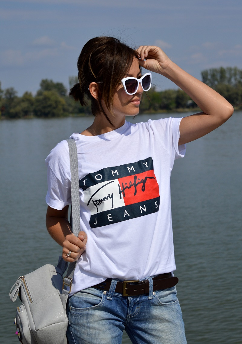 outfit tommy hilfiger t-shirt